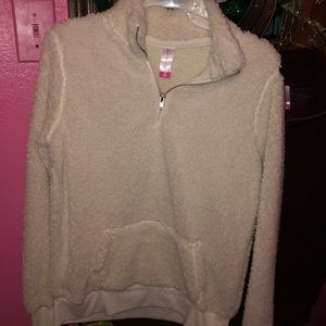 Jackets & Blazers - Ladies Sherpa pullover!